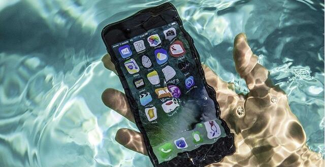 iPhone手机进水怎么办?手机进水三要三不要