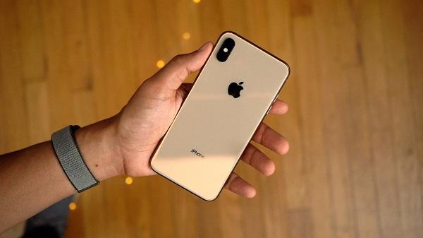 部分 iPhone XS 与 iPhone XS Max 无法在息屏状态下充电