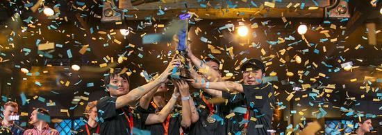媒体专访:炉石传说世界杯冠军 - 中国队