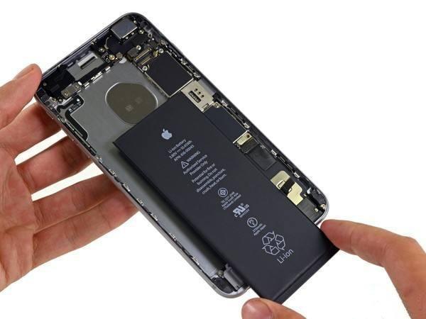 iPhone 更换电池时,使用原装电池还是第三方大容量电池?