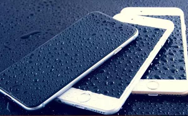为什么苹果iPhone没插耳机却显示耳机模式?