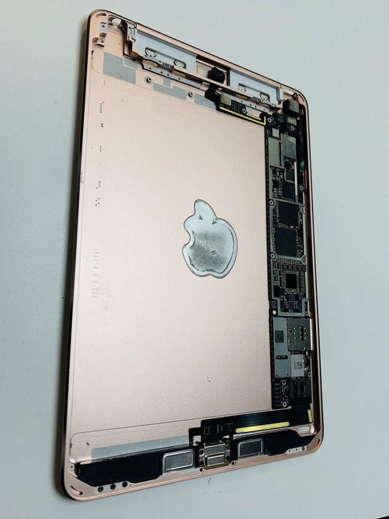 一款苹果还未发布的 iPad mini 曝光:天线重新设计