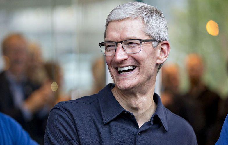库克谈及关于苹果的 13 个焦点问题,表示市场读不懂 iPhone 的故事