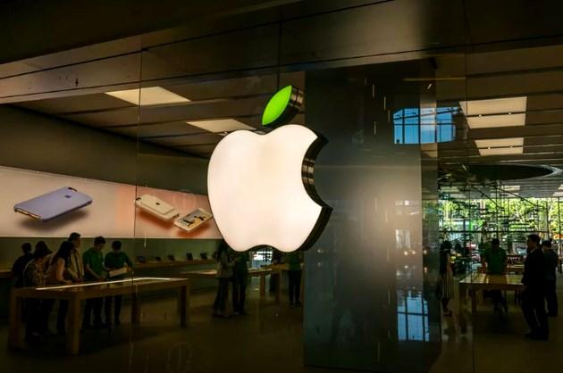 外媒:iPhone 需求低迷,苹果效仿微软走开放路线