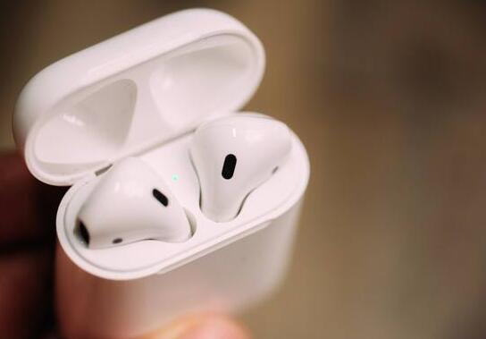 苹果 AirPods 被指存在监听问题