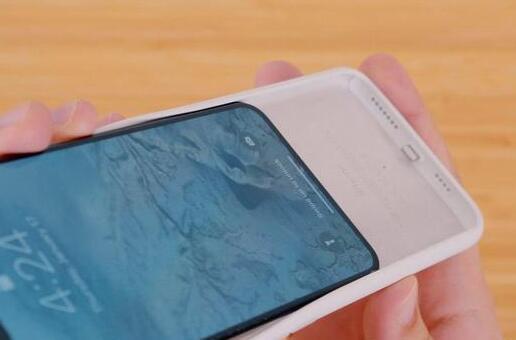 外媒评测:关于新 iPhone 智能电池壳的细节