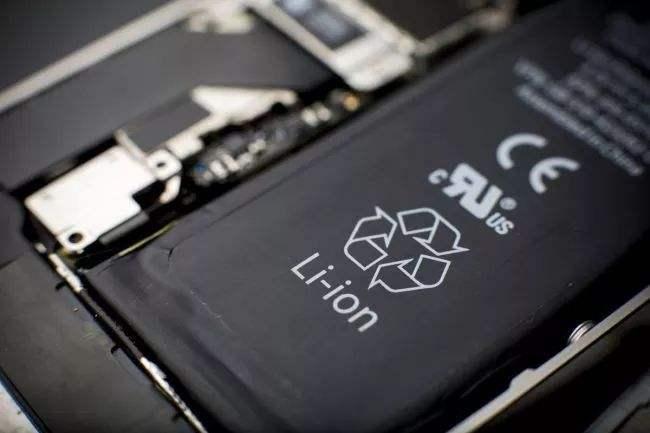 非官方维修店能换到 iPhone 原装电池吗?