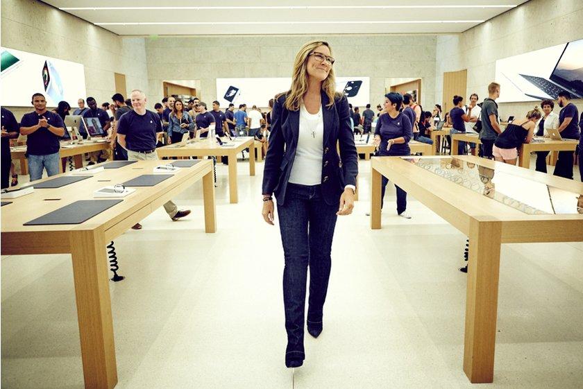 """苹果""""头号女员工""""将离职,薪水曾比库克还高"""