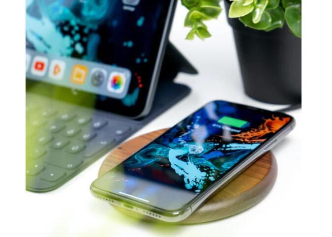 iPhone XS Max 无线充电有什么影响,与有线充电有哪些区别?