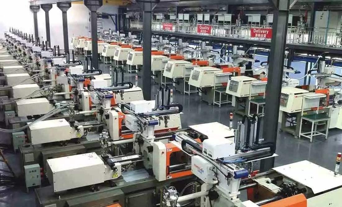 苹果制造工厂探秘:独创混合外包模式,每年支出够造两艘航母