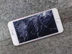 刚到手的iPhone6s就被砸了 这女女真霸气