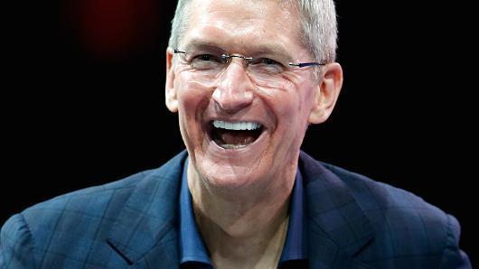苹果CEO库克再次拍卖共进午餐机会