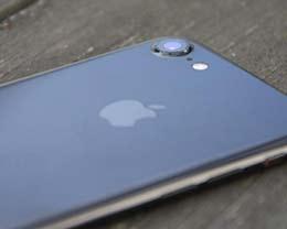 等iPhone 8发布还是立即买降价的iPhone 7?