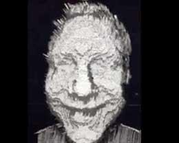 """开发者们拿苹果iPhone X自拍,发现整张脸都被""""抠""""了出来"""
