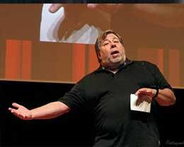 沃兹称iPhone X若是后置指纹会更好  你觉得呢?