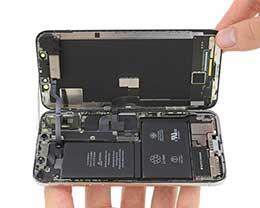 2018款iPhone X将配备更大容量的L形电池