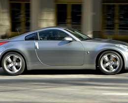第一台解锁的iPhone换了一辆日产350Z跑车