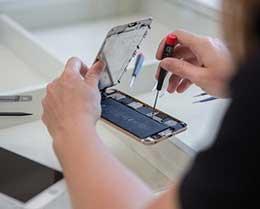 iPhone 官方维修价格为什么这么贵?