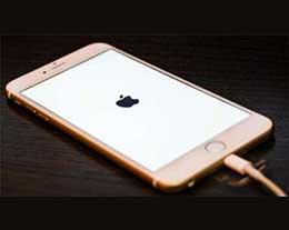 天冷了 iPhone 为什么总是会自动关机,如何避免?