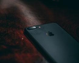 为什么苹果原装数据线充电仍会提示「未经认证」的线缆?