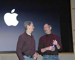 苹果成立 42 周年之际:近 20 年来首次调低营收预期
