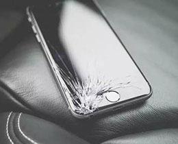 iPhone 碎屏不修会有什么影响?