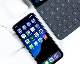 下一代 iPhone 还会采用玻璃机身吗?不同材质机身的优劣势是什么?