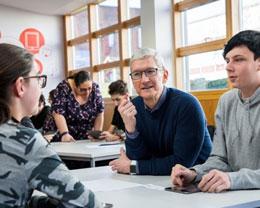 库克表示 2018 年苹果的美国新员工半数没有四年本科学历