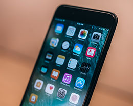 """如何判断 iPhone 有没有被""""降频""""?"""