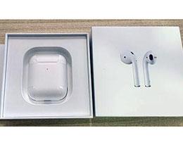 外媒上手苹果 AirPods 2:连接速度和音质改进,不能与一代混用
