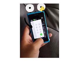 """苹果 iPhone SE """"核心""""改装到诺基亚 N9 机身上会怎样?"""