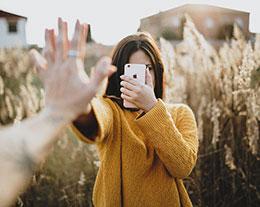 """在 iPhone XS Max 上使用""""人像模式""""的拍照技巧"""