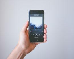 iPhone 照片不如镜子里的自己真实吗?与他人眼中的自己是否有差距?