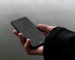 关于 iPhone 的防水能力要注意什么?为什么防水手机浸液后不保修?