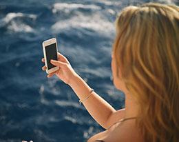 小技巧:在 iPhone 中查看特定人物的照片