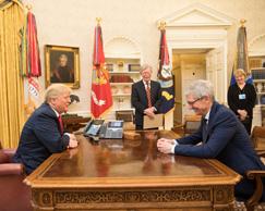 据悉库克下周将陪同特朗普参观苹果德州工厂