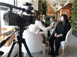 乔碧萝首次露脸采访:现在胖了,减下肥就好看了
