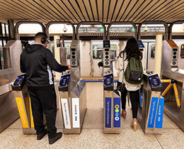 纽约数十名 iPhone 用户坐地铁意外被二次收费
