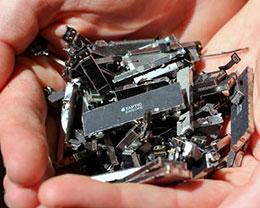 苹果公司加大 iPhone 回收力度,但矿产需求却有增无减