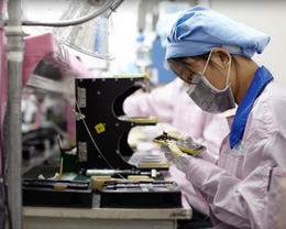 苹果产业链「高薪」复工的背后:5G 版 iPhone 能如期而至吗?