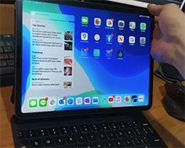 苹果 iPad Pro 妙控键盘上手体验:重达 1.2 斤