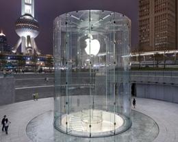 上海浦东苹果 Apple Store 被砸,肇事者已被警方带走