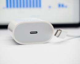 郭明錤再次确认:iPhone 12 将取消随机附赠充电器、耳机