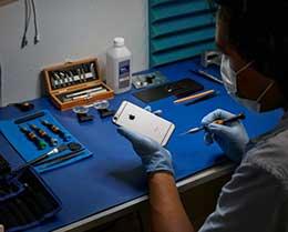 苹果将 iPhone 维修服务扩展到全美数百个新地点