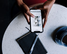 iPhone 12 频繁提示是否接受中国联通服务,且发烫严重怎么办?