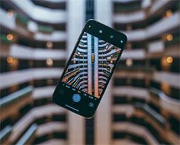 如何查看 iPhone 中的照片是在哪个地方拍摄的?