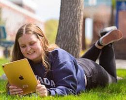 苹果与内华达大学里诺分校合作,向每位新生免费赠送 iPad Air