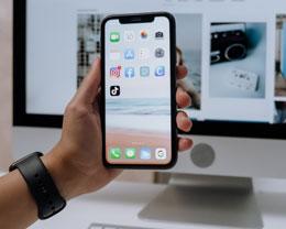 """苹果新专利:动动眼睛就能""""移动""""光标,手机电脑 AR 眼镜都能用"""