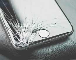 苹果新专利:未来 iPhone 可自动警告用户显示屏出现裂纹和损坏