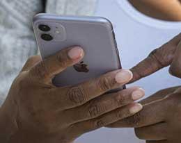 苹果 Siri 偷听用户对话被起诉,法官接受侵犯隐私指控